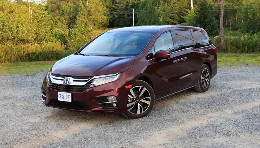 Chrysler pacifica vs honda odyssey a minivan matchup for for Chrysler pacifica vs honda odyssey